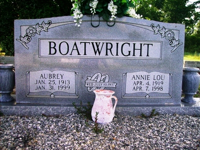 Aubrey Russell and Annie Lou Skipper Boatwright Gravestone