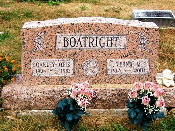 Oakley Otis and Verna M. Boatright Gravestone