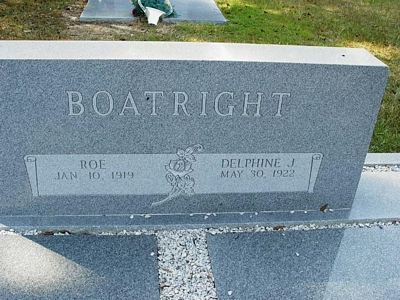 Roe and Delphine Jordan Boatright Gravestone