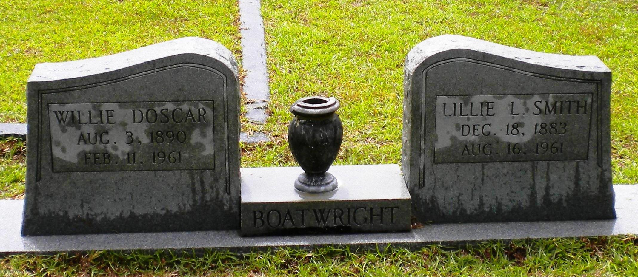 Willie Doscar and Lillie L. Smith Boatwright Gravestone
